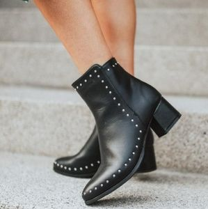 Shoes - 🆕️//The Whitney//black studded boots